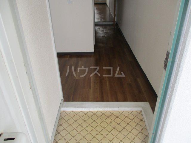 アビタ08 302号室の玄関