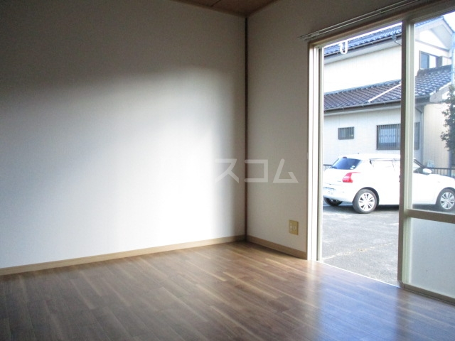 ロワールハイツ 102号室の収納