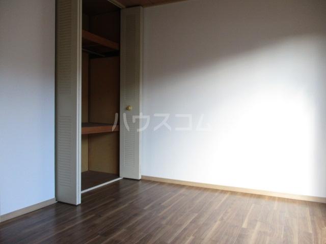 ロワールハイツ 102号室の居室