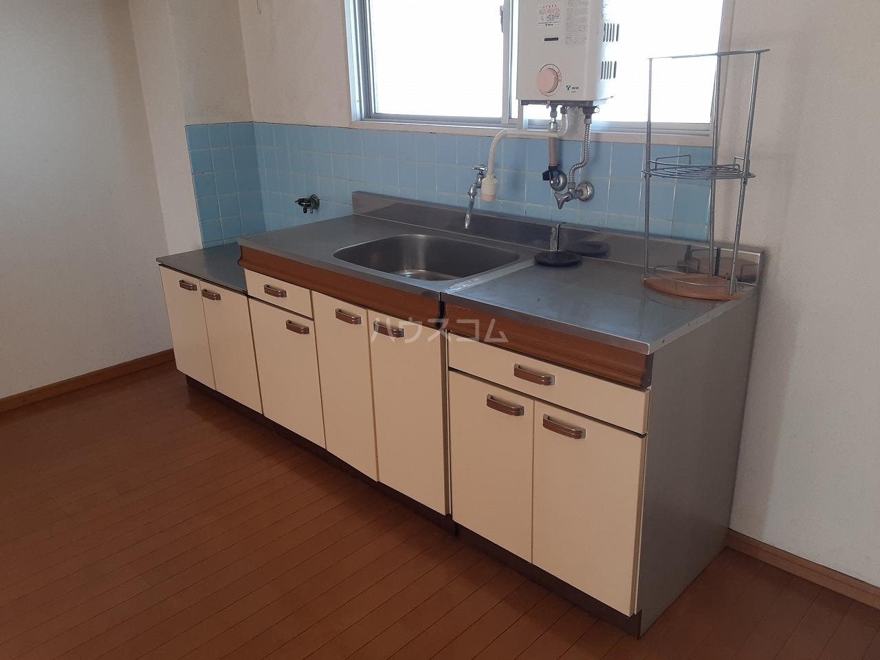 江口マンション四女子 402号室のキッチン