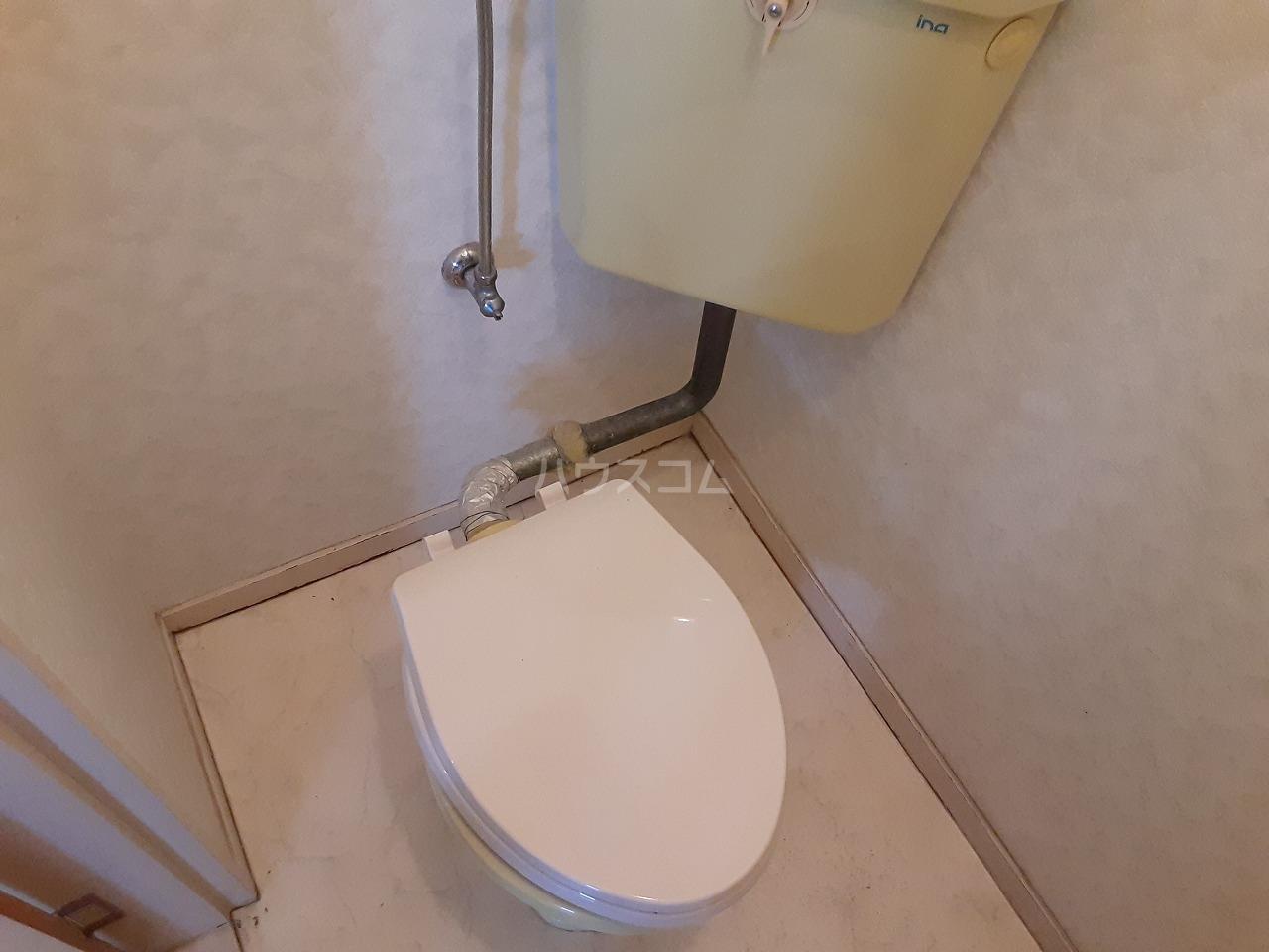 江口マンション四女子 402号室のトイレ