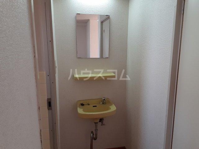 江口マンション四女子 402号室の洗面所