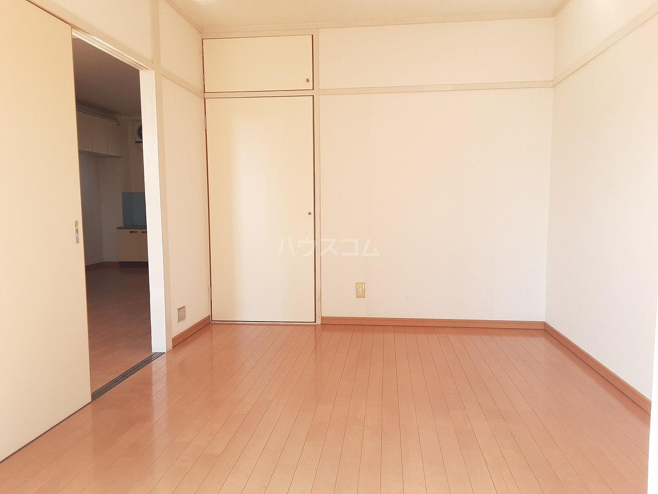江口マンション四女子 402号室の収納