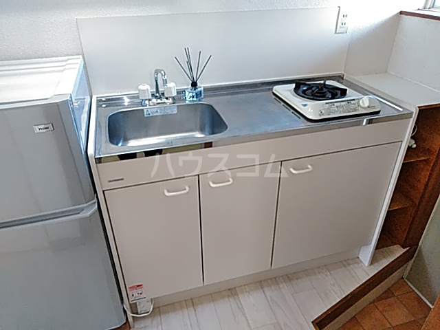 コーポ・モネ 102号室のキッチン