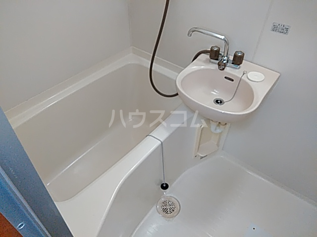 コーポ・モネ 102号室の洗面所