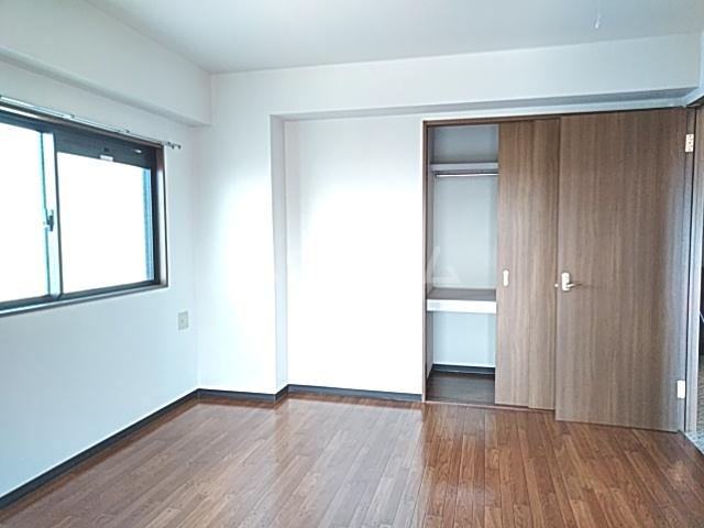 Bo Pierre K号室のベッドルーム