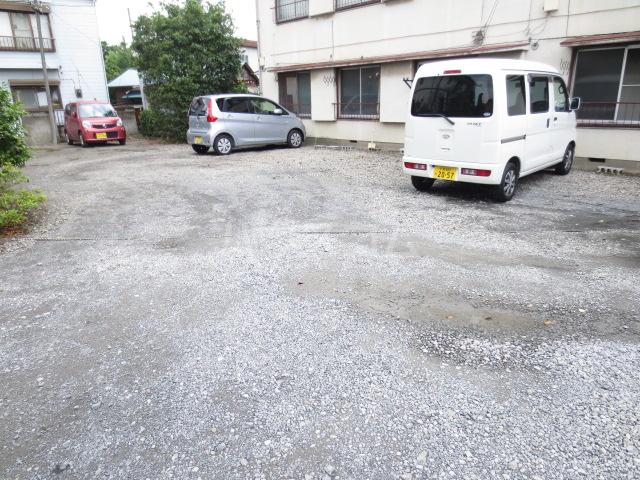 コーポ長島 202号室の駐車場