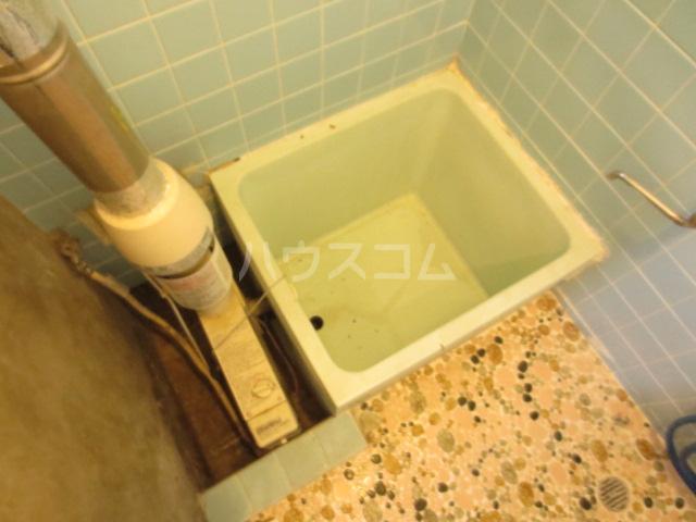 コーポ長島 202号室の洗面所