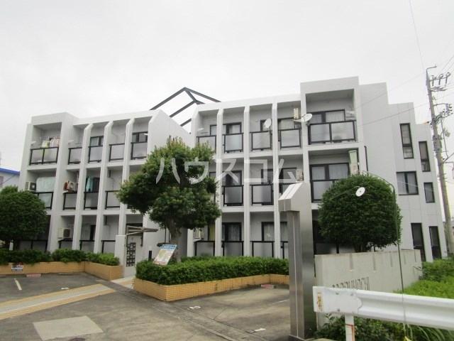 上島コモンコートD棟 203号室の外観