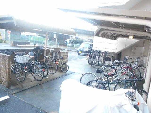 ソレアードパラシオン 202号室の駐車場