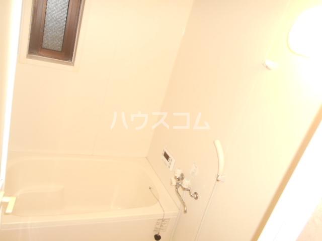 ソレアードパラシオン 202号室の風呂