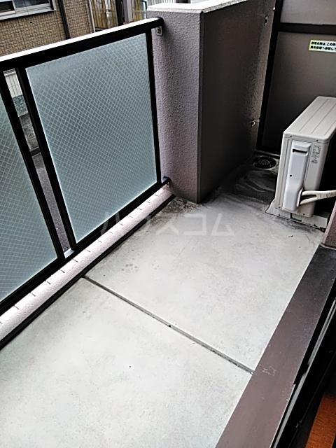 コートリー 102号室のバルコニー