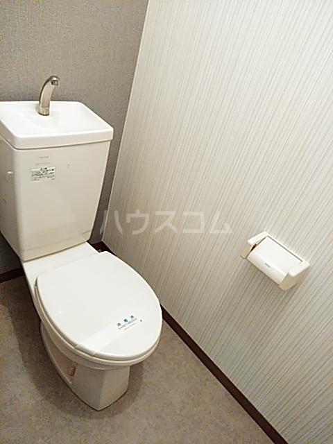 コートリー 102号室のトイレ