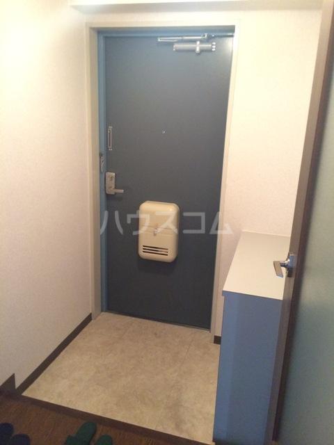 三鈴シティ 402号室の玄関