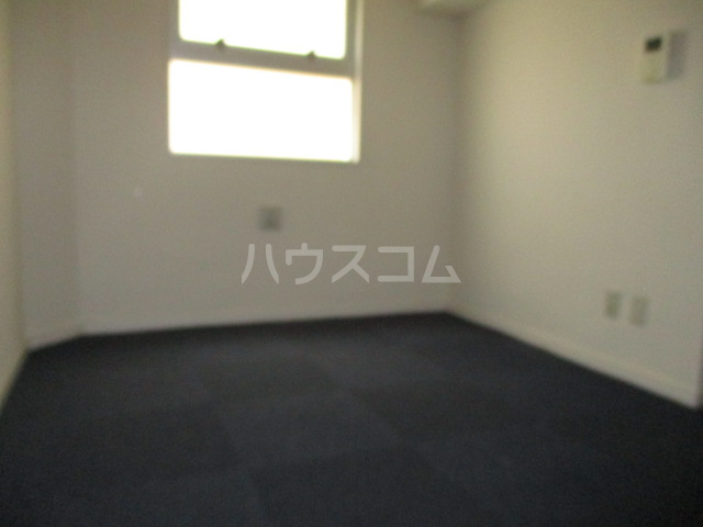 コンド千葉WEST 304号室の居室