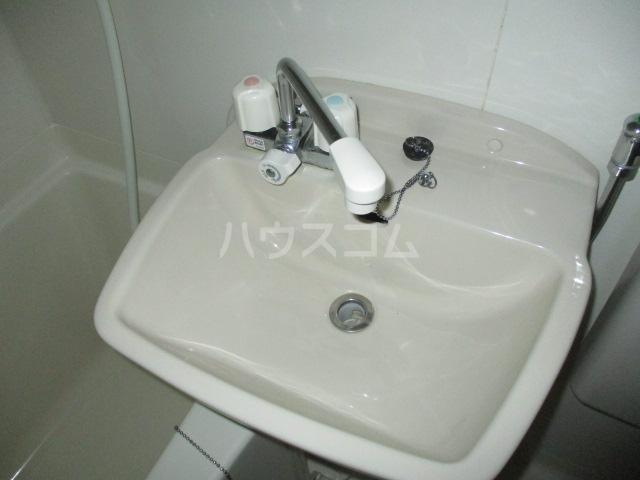 コンド千葉WEST 304号室の洗面所