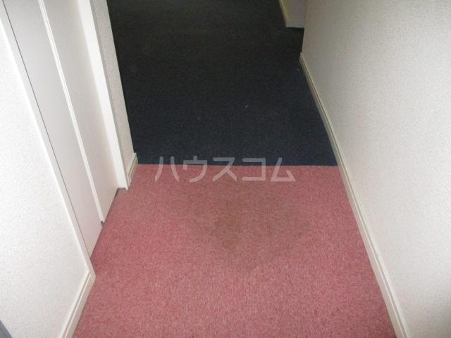 コンド千葉WEST 304号室の玄関