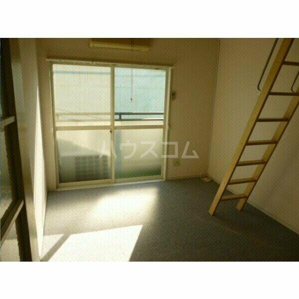 ガーデンハイツ八田 203号室のベッドルーム