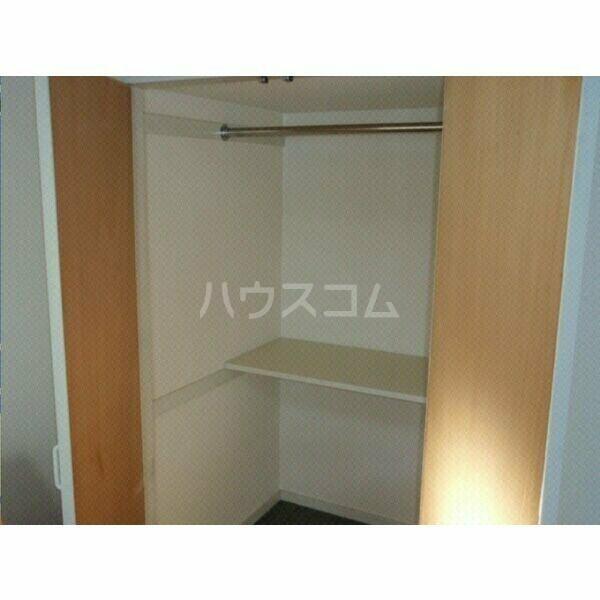 ガーデンハイツ八田 203号室の収納