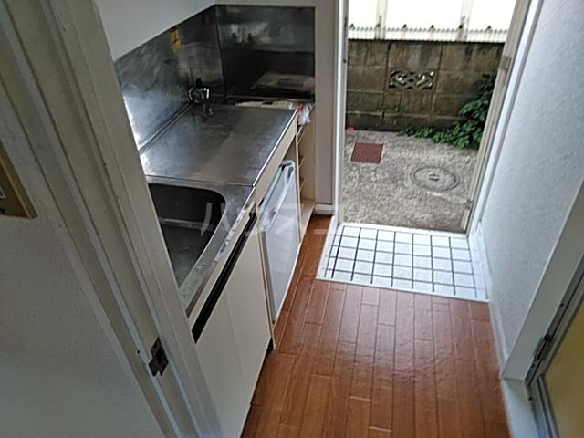 プラザ検見川 A棟 103号室のキッチン