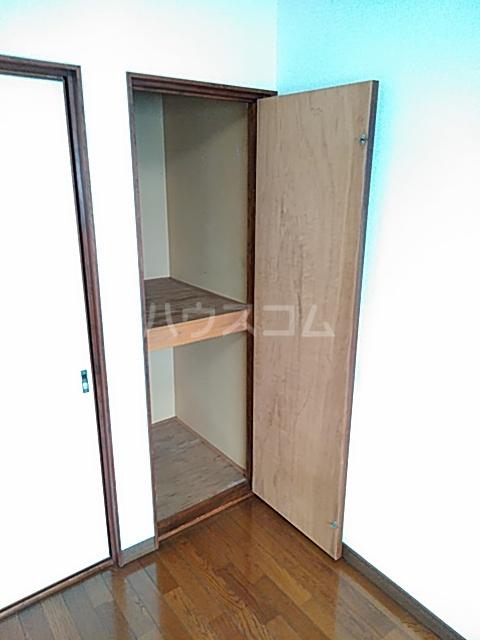 ホウルハウス神谷 B 202号室の収納