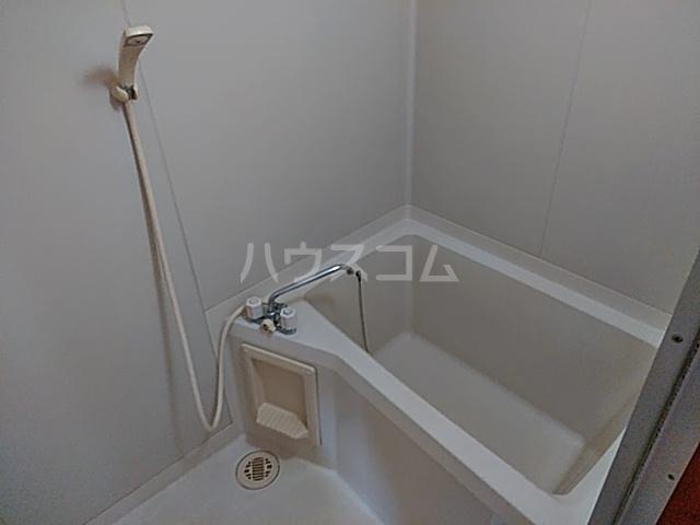 ホウルハウス神谷 B 202号室の風呂