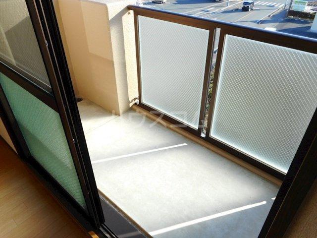 ユートピア マツバラ 401号室のバルコニー