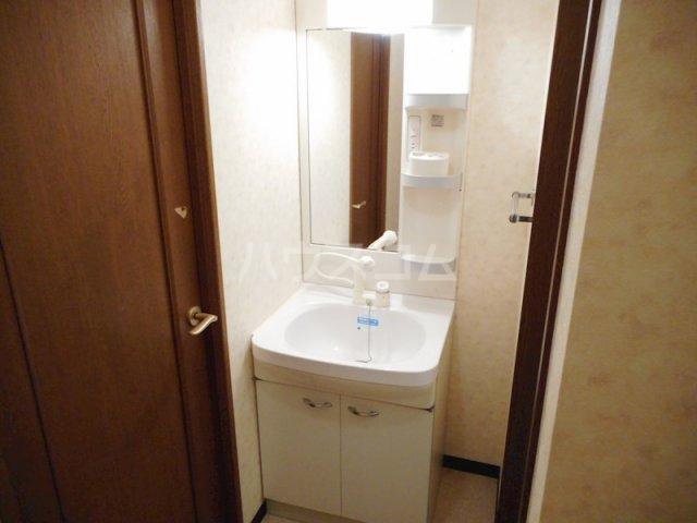 ユートピア マツバラ 401号室の洗面所