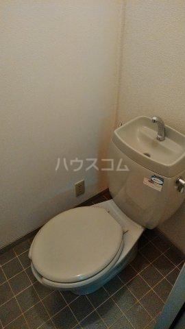 サンビレッジこいけA 201号室のトイレ