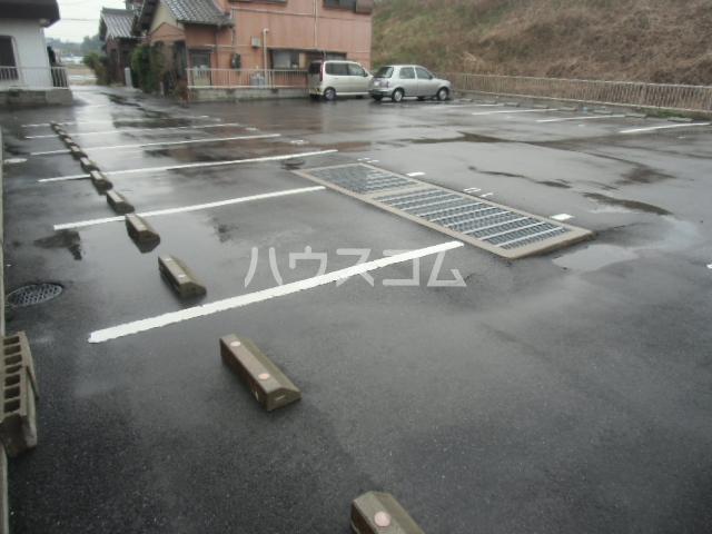 GX小垣江 305号室の駐車場