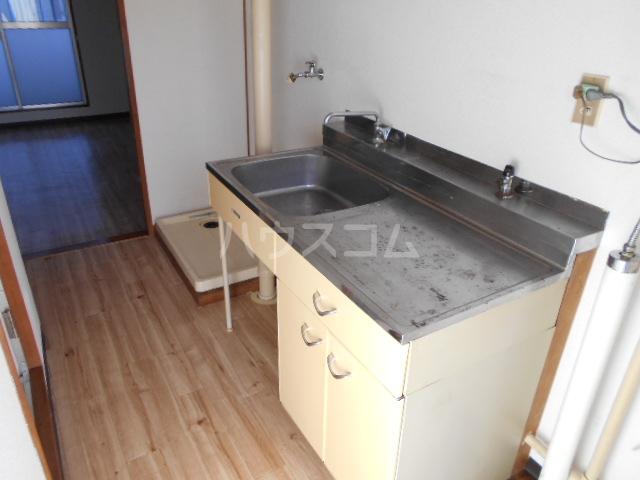 刈谷マンション 405号室のキッチン