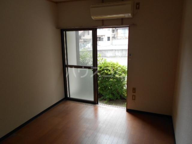 ハイツヤマダ 102号室のリビング