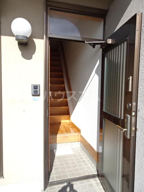 恒川様貸家の玄関