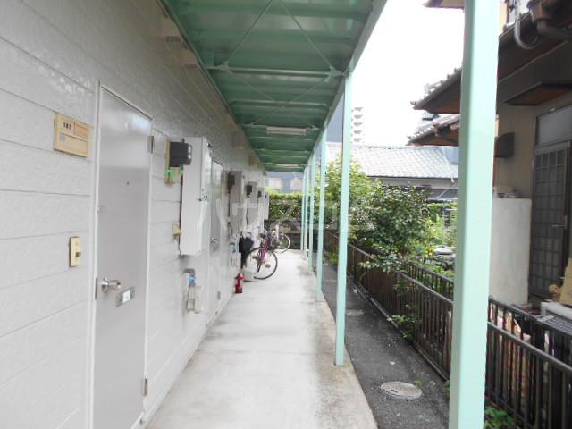 アーバンムラセ 102号室の駐車場