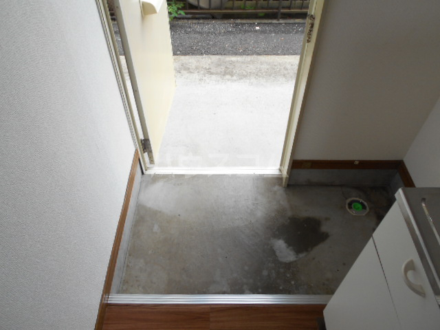 アーバンムラセ 102号室の玄関