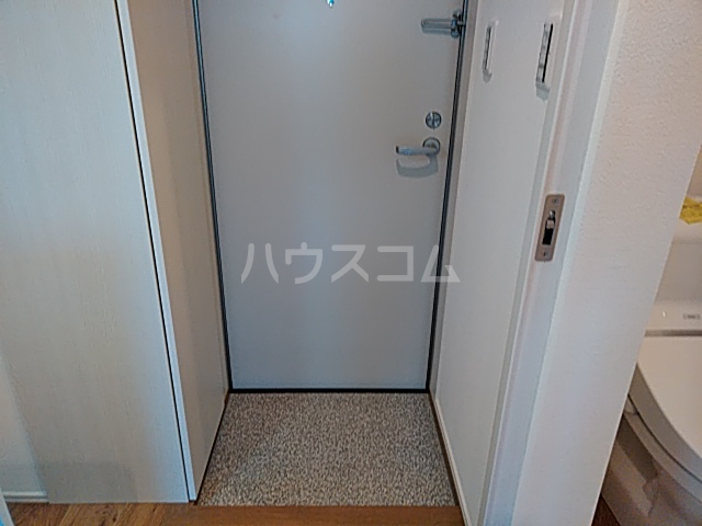 AZEST-RENT本陣 101号室の玄関