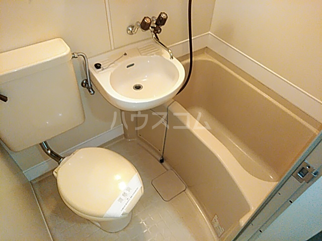 ララ検見川 102号室の風呂