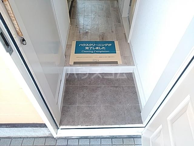 ララ検見川 102号室の玄関