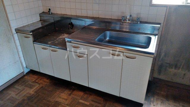 アトムハイツ 201号室のリビング