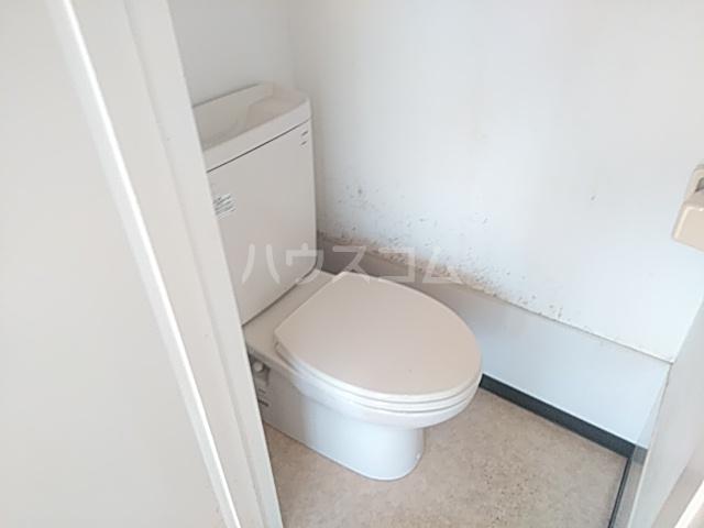 メゾン西千葉 801号室のトイレ