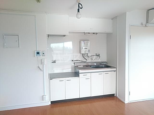 メゾン西千葉 801号室のキッチン
