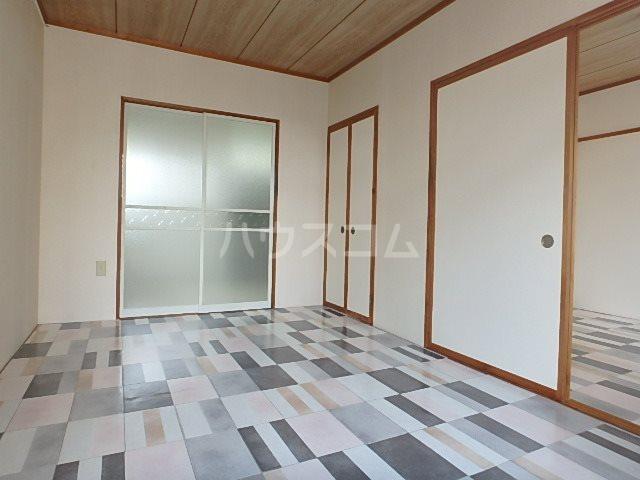 山本ハイツ 102号室の居室