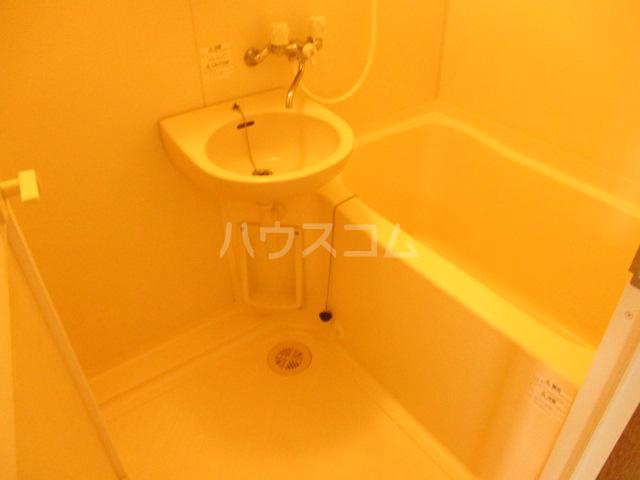 オプスマロニエ 201号室の風呂