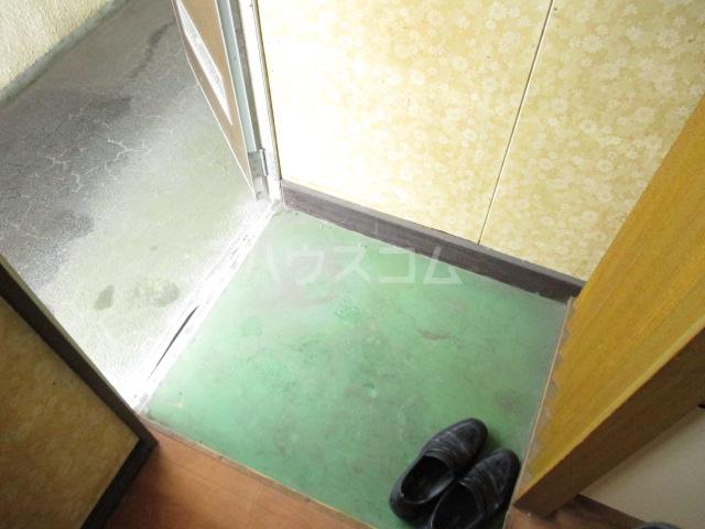 コーポみどり 201号室の玄関