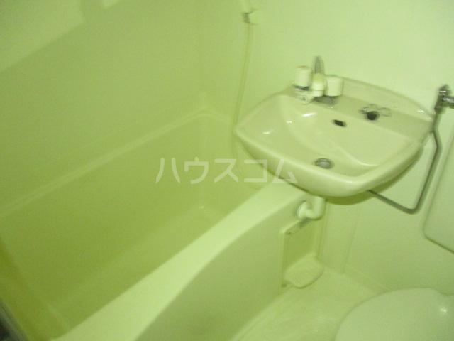 コンド千葉WEST 204号室の風呂
