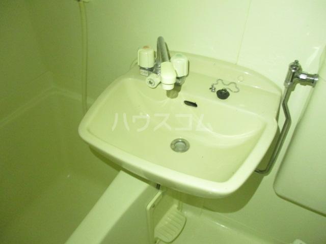 コンド千葉WEST 204号室の洗面所
