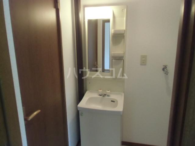 コーポ三立 3B号室の洗面所