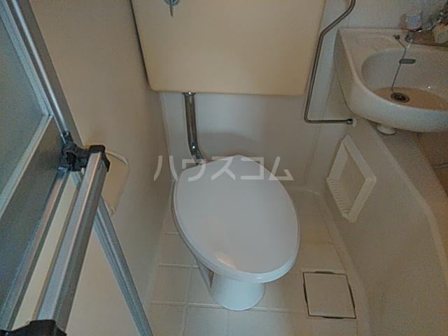 フラグランス 101号室のトイレ