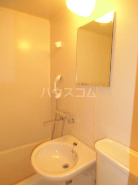 コーポリンデンⅡ 2J号室の洗面所