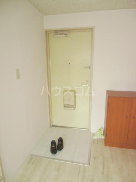 コーポリンデンⅡ 2J号室の玄関